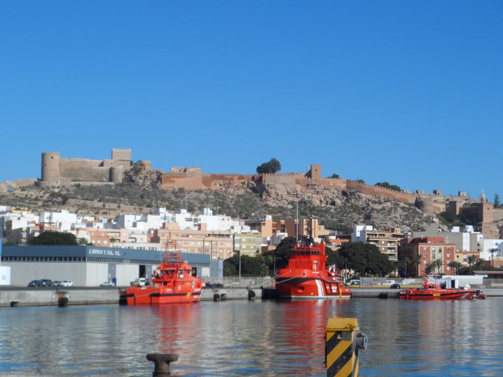 Puerto Seguro. Tripulacion Salvamar Denebola