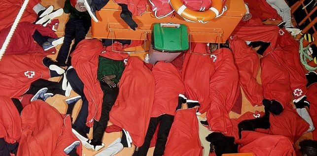 Salvamento Maritimo Inmigrantes Dormidos