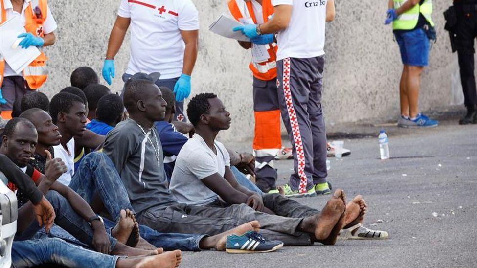 Personas-rescatadas-tripulantes-Gran-Canaria_EDIIMA20171016_0965_19